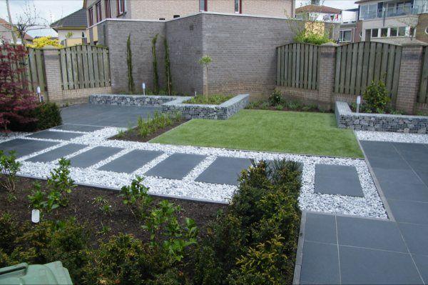 Kleine tuinen van gogh 39 s iris hoveniers for Bestrating kleine tuin